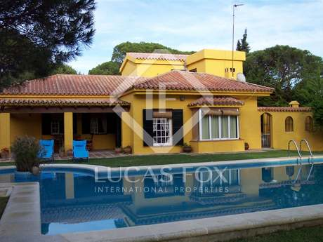 Villa for sale close to the beach in Roche, Cádiz, Andalucia