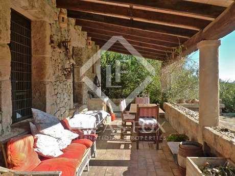 Landhuis van 230m² te koop in North Mallorca, Mallorca