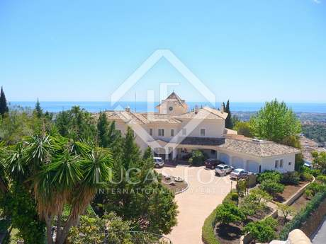 Mansion for sale in sought-after El Madroñal, Benahavís