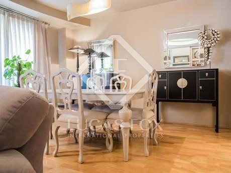 Spacious renovated 3-bedroom apartment to buy in Gran Via