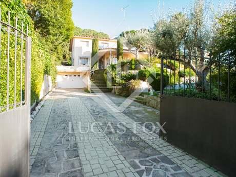 Detached Mediterranean-style villa for sale in Cabrils