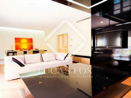 Appartamento di 293m² con 6m² terrazza in affitto a Recoletos