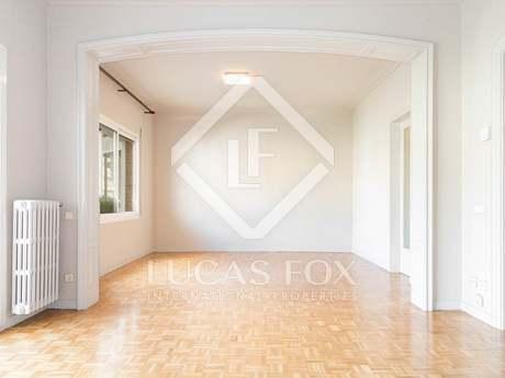 Fantástico piso de 4 dormitorios con terraza en Sant Gervasi