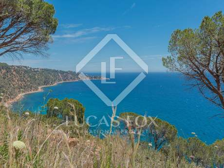 Seafront building plot for sale on the Costa Brava