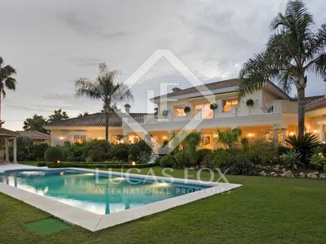 6-bedroom villa for sale in Nueva Andalucia, Marbella