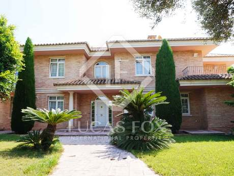900m² house with 1,000m² garden for sale in Puzol