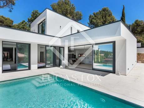 250m² villa for sale in Tamariu