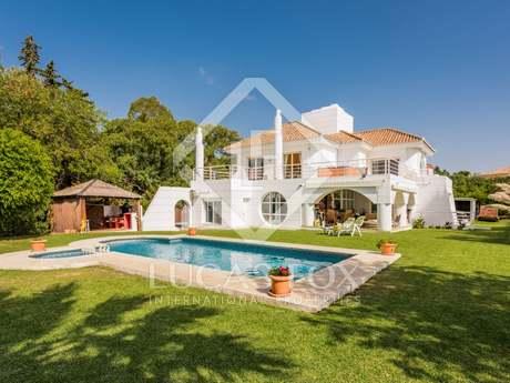 在 贝纳阿维斯, 马贝拉 402m² 出售 豪宅/别墅 包括 花园 3,049m²