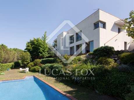 Villa moderna en alquiler en Alella, en la costa del Maresme