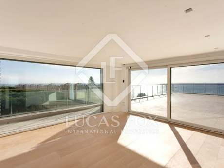 Stunning penthouse for sale on the Maresme Coast