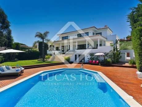 Casa / Villa di 446m² con 226m² terrazza in vendita a Nueva Andalucía