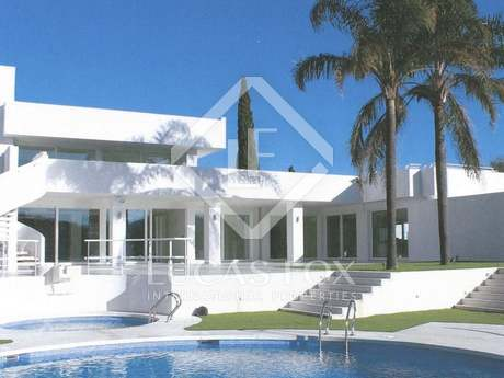 Luxury modern villa for sale, Sotogrande with sea views