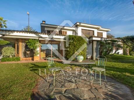 Villa to buy in Alella, Costa Maresme, Barcelona