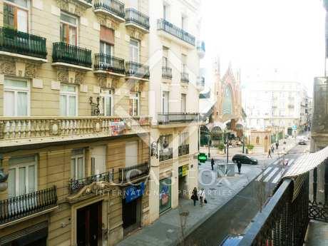 Apartamento modernista de 160 m² en venta, Conde Salvatierra