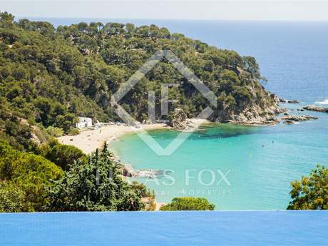 Villa for sale in Lloret de Mar on the Costa Brava