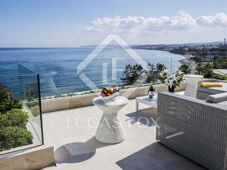 4-bedroom beachfront apartment for sale in Estepona