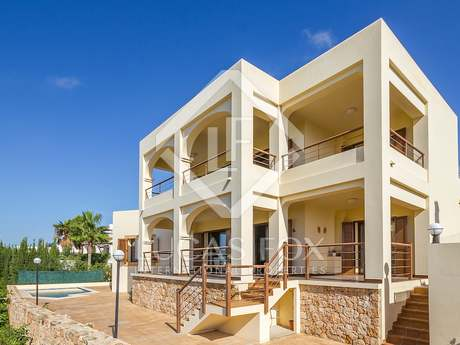 Impeccable modern villa for sale, 5 minutes from Ibiza Town
