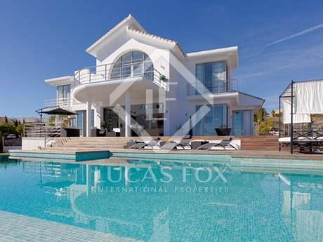3 bed luxury villa for sale in Los Flamingos, Estepona.