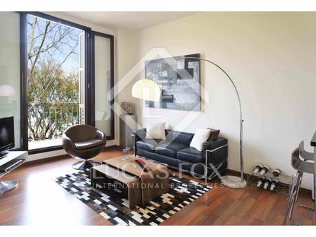 Furnished 2-bedroom apartment for sale in Born, Barcelona