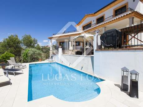 Lovely spacious villa to buy in Sitges hills