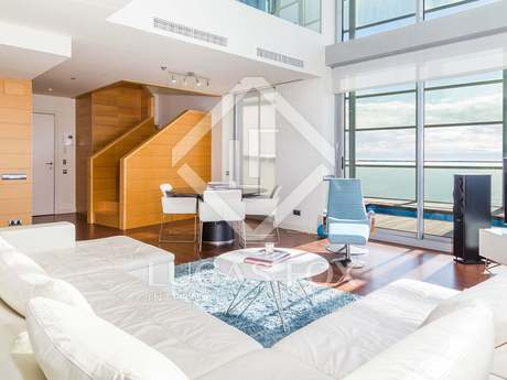 Stunning duplex penthouse to rent in Diagonal Mar