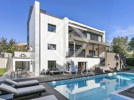 Modern villa to buy in Ciudad Diagonal, Esplugues, Barcelona