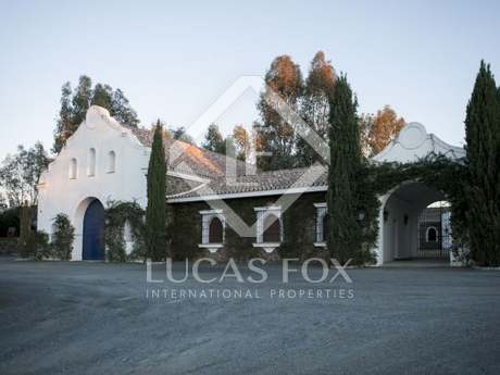 Country estate for sale in Sevilla