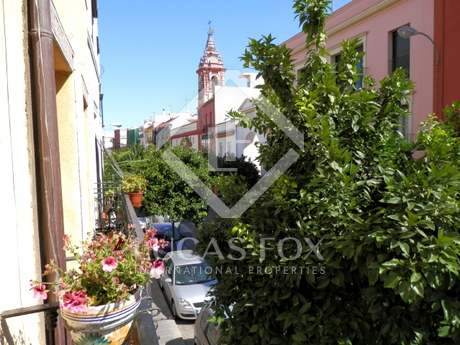 Historical townhouse for sale in Triana, Sevilla