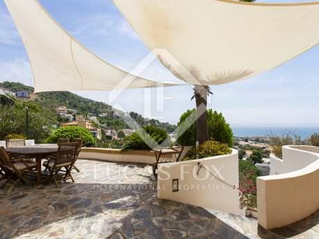 732 m² villa for sale in Levantina, Sitges