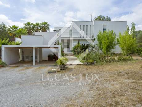 303m² villa for sale in Santa Eulalia, Ibiza