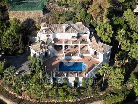 Luxury 7-bedroom villa for sale in Benahavís, Marbella