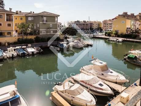 Seaview triplex to buy in Port Saplaya, 5km fom Valencia