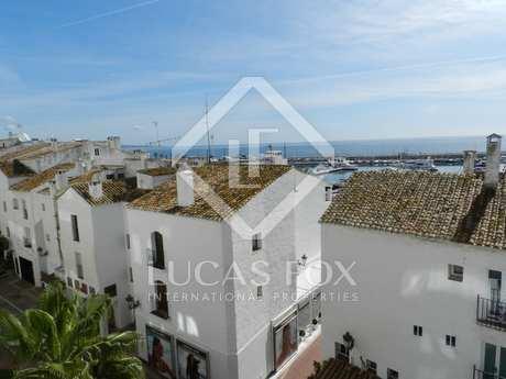 Apartamento en venta en Puerto Banús, Marbella