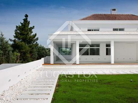Beautiful house to buy in La Moraleja, Madrid