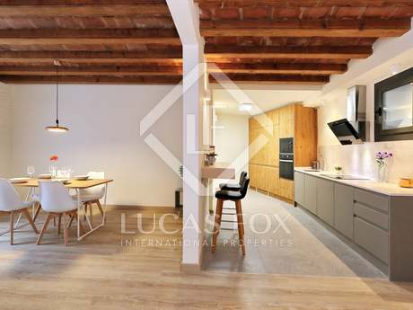 96m² apartment for sale in Poble Sec, Barcelona
