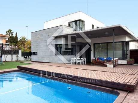 Villa moderna en venta en Castelldefels/Gavà Mar