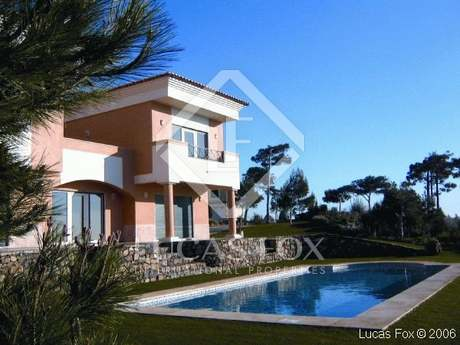 New luxury house for sale very near Cascais