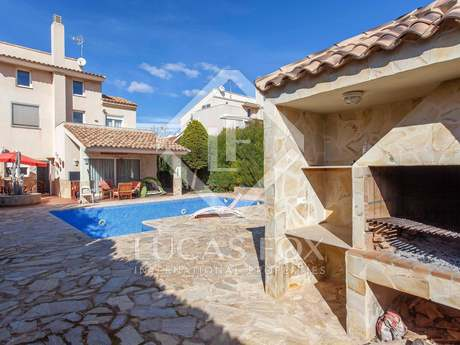 Maison / Villa de 274m² a vendre à Puzol avec 300m² de jardin