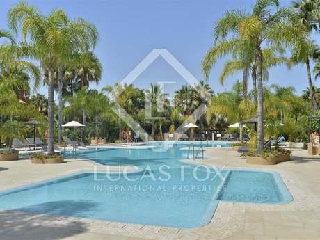 Attico di 315m² con 255m² terrazza in vendita a Nueva Andalucía