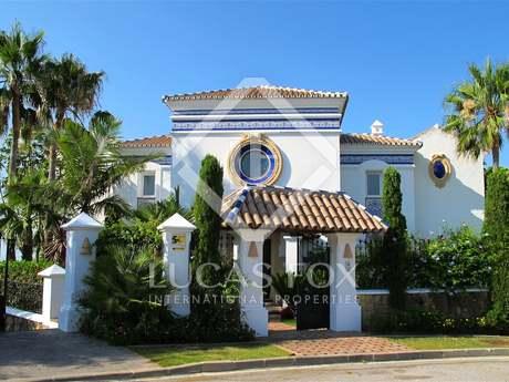 Casa / Vil·la de 531m² en venda a Benahavís, Marbella