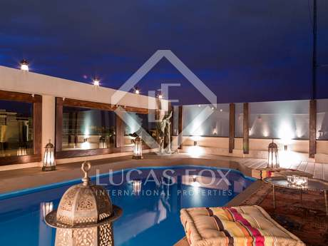 Oriental style penthouse for rent in the centre of Valencia