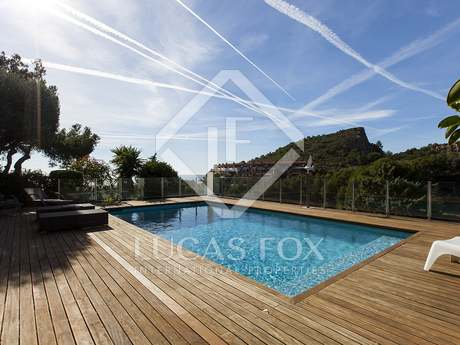 Beautiful, modern 6-bedroom house for sale in Castelldefels