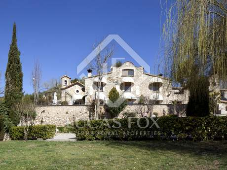 Country estate for sale close to Barcelona city