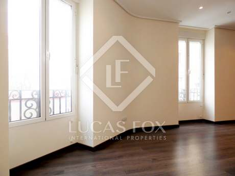 Renovated apartment to buy on Avenida Reino de Valencia