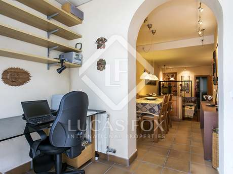 59 m² apartment with terrace for sale in Eixample Left