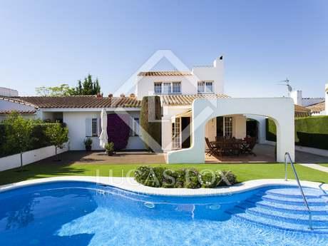 Huis / Villa van 244m² te koop in Sant Pere Ribes, Sitges
