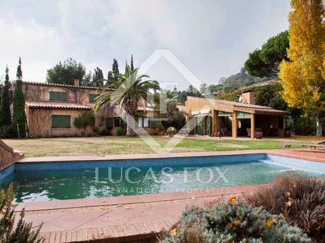 Maison / Villa de 340m² a vendre à Blanes, Costa Brava