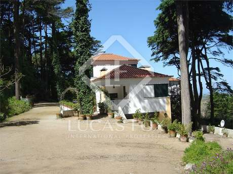 4 bedroom house for sale in Sintra with stunning views to the sea