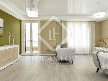 3-bedroom apartment for sale on Carrer Balmes, Barcelona