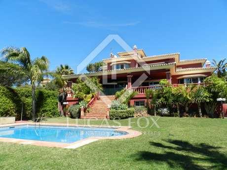 5-bedroom villa for sale in Elviria, Marbella